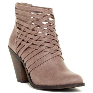 Fergalicious weever strappy ankle boots 6